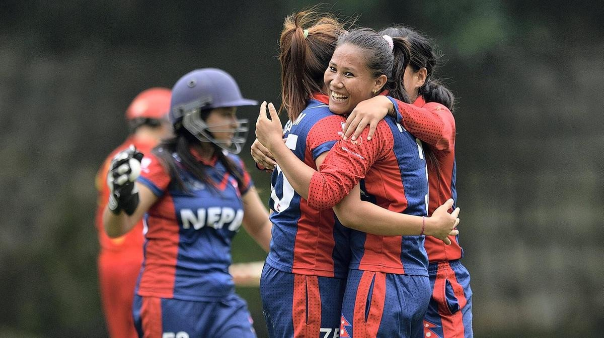 क्यानले गरायो १८ महिला खेलाडीको कोरोना बीमा