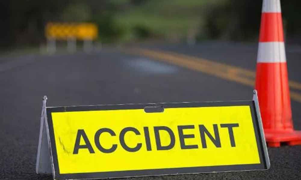 नेत्रावतीको बेतिनीमा स्वराज ट्रक दुर्घटना : दुईको मृत्यु ,एक घाईते